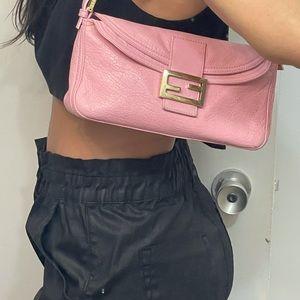 💘Rare VINTAGE pink FENDI BAGUETTE.